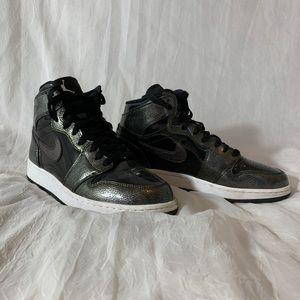 Jordan 1 retro high black patent black anthracite